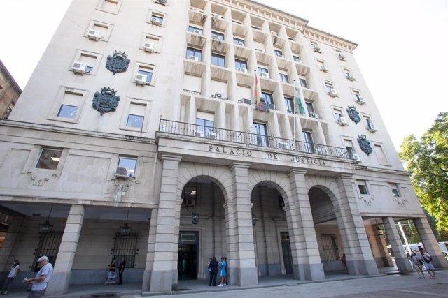 Sevilla.-Tribunales.- Piden once años de prisión a un anciano acusado de abusar