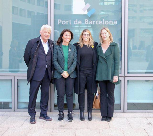 La candidatura de JxCat a las elecciones de Barcelona visita el puerto barceloné