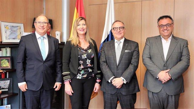 Balears i Canàries conversen sobre els efectes de la insularitat en la gestió sa