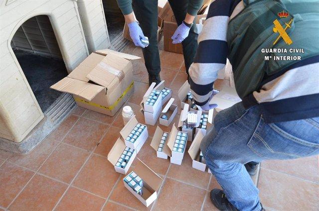 Sucesos.- Cinco detenidos y 36.000 dosis de sustancias dopantes para deportistas