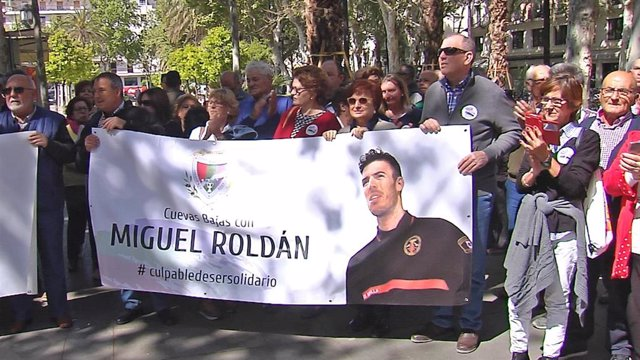 "Sevilla.- Sevilla defiende la ""inocencia"" del bombero investigado por Italia tra"