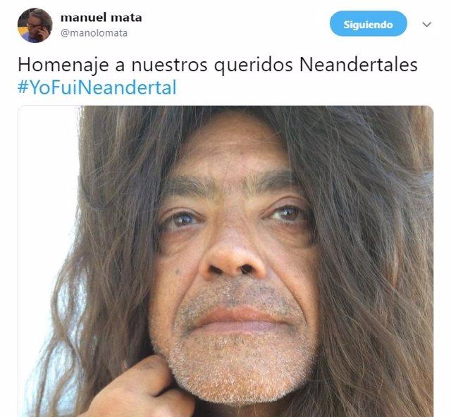 Manolo Mata (PSPV) homenajea a los neandertales 'convirtiéndose' en uno de ellos