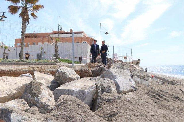 """Almería.- El alcalde de El Ejido ve """"insuficiente"""" la aportación de arena a la p"""
