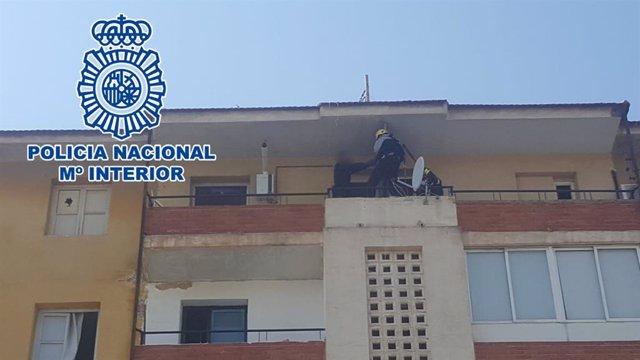 """Nota De Prensa: """"La Policía Nacional Detiene In Fraganti A Tres Personas Mientra"""