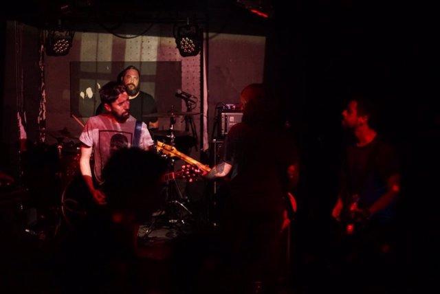 Els músics F/I/A i Marc Meli, en la fira de música MIL de Lisboa