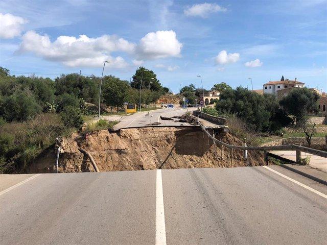 Carretera afectada por las inundaciones de Sant Llorenç