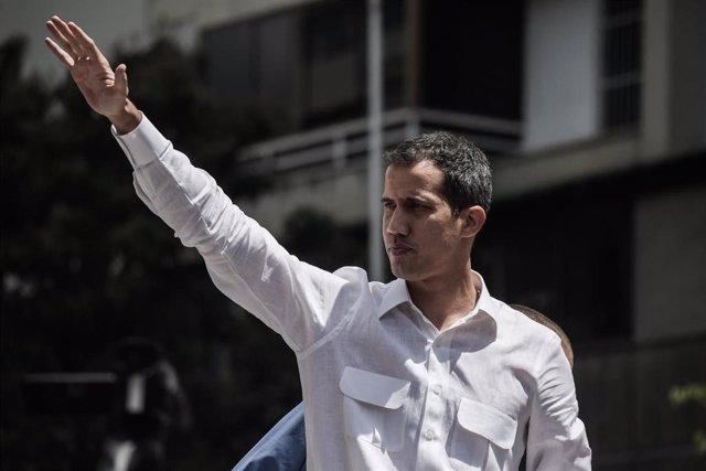 ¿Qué significa que el Gobierno de Nicolás Maduro inhabilite a Juan Guaidó durant