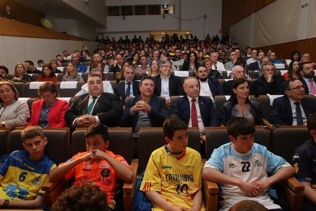Calendario Europeo Balonmano 2020.Cantabria Acogera En 2020 El Campeonato De Espana De Selecciones Autonomicas De Balonmano
