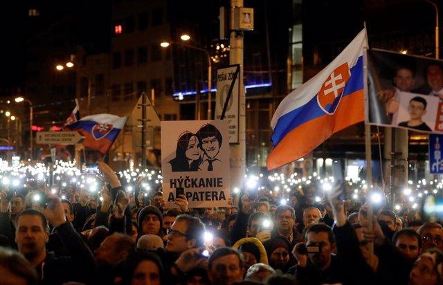 Manifestación en Brastislava por el aniversario del asesinato del periodista Jan
