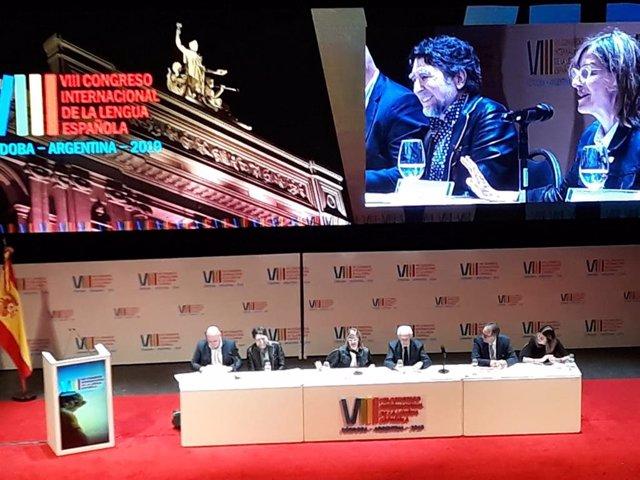 """Joaquín Sabina recibe el homenaje del Congreso de la Lengua: """"Me considero de un"""