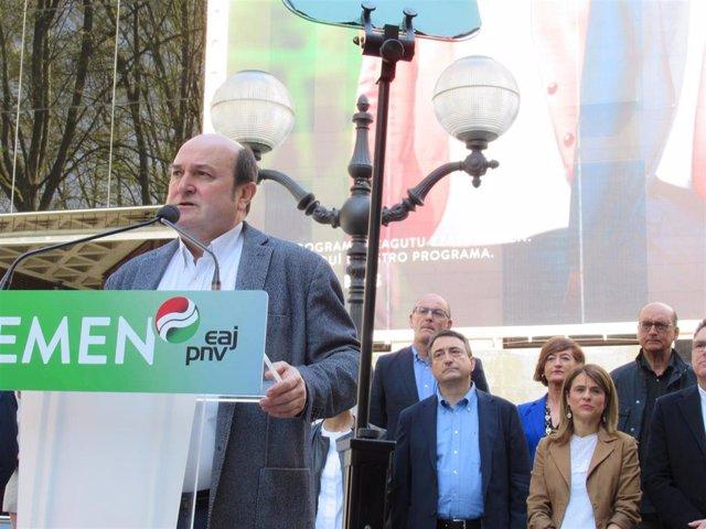 """AMP.- PNV afirma que será el único grupo """"exclusivamente vasco"""" cuando el autogo"""