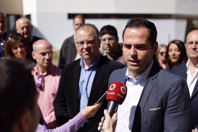 """Aguado afea a Gabilondo que haya defendido """"freír impuestos a los madrileños"""" y"""