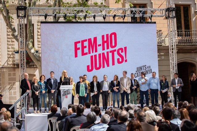 """Puigdemont apell'a Rivera, Sánchez i Casat a dialogar amb """"valentia i coratge"""