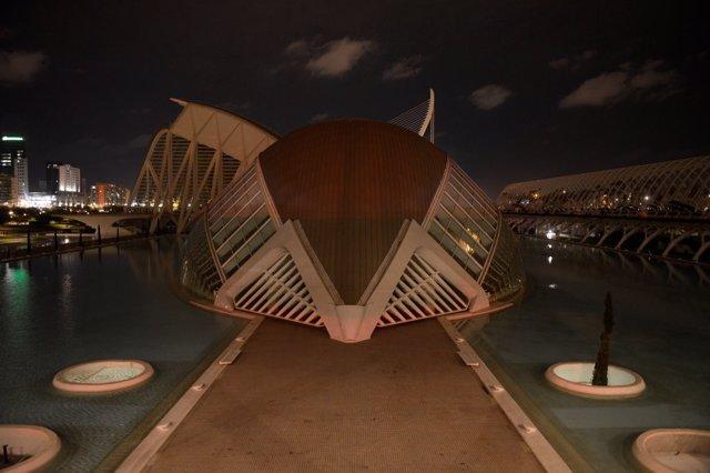 Ciudad de las artes y las ciencias de Valencia durante la Hora del Planeta