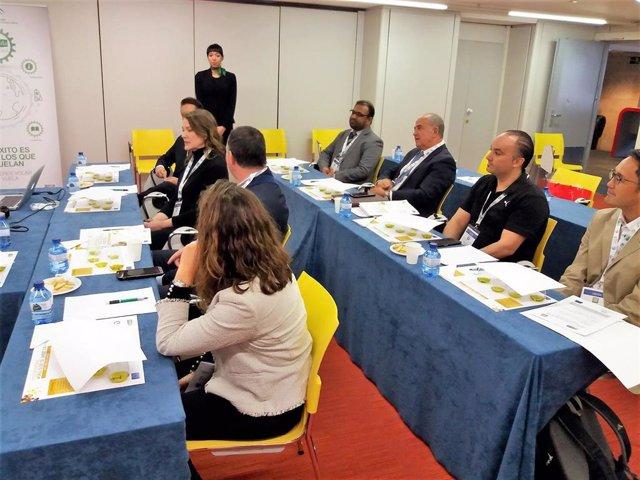 Economía.- Extenda organiza casi 100 reuniones de negocios en el Foro 'World Oli