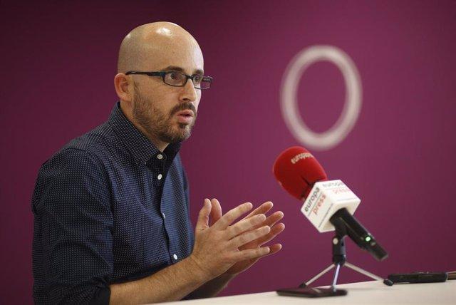 VÍDEO: Podemos propondrá una renta básica de entre 600 y 1.200 euros que costarí