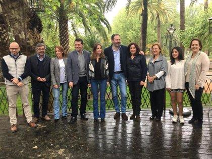"""Andrea Levy afea la """"violencia y el acoso de independentistas"""" en Barcelona y ve como """"única opción"""" un Gobierno del PP"""