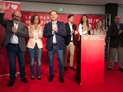 """Ábalos dice que Casado y Rivera """"son como Pimpinela"""" tras su cruce de declaraciones sobre un futuro Gobierno tras el 28A"""