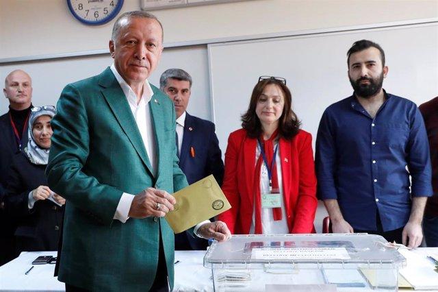 Turquía.- Tres muertos en un tiroteo durane las elecciones locales en Turquía