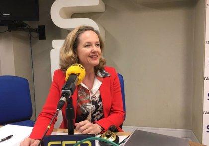 """Nadia Calviño acusa a Alcoa de tener una actitud """"poco seria"""" y """"poco responsable"""" en Galicia"""