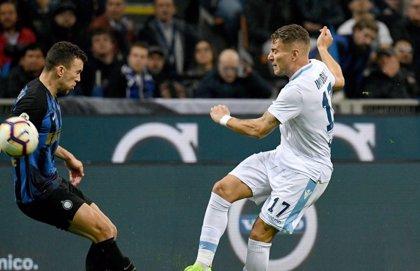 El Nápoles se gusta en el Olímpico y el Inter se estrella ante la Lazio