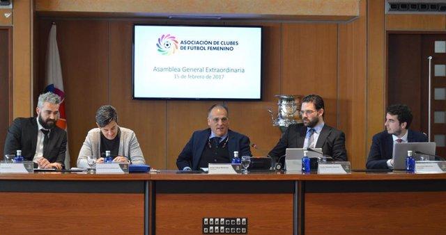 Javier Tebas asistió a la Asamblea de la Asociación de Clubes de Fútbol Femenino