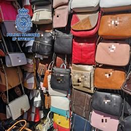 Sucesos.- Intervienen más 4.000 productos falsificados en Arona valorados en 1,5
