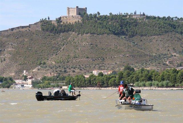 Pesca en el embalse de Mequinenza
