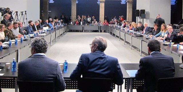 Els partits catalans signen un document contra el racisme i la xenofbia