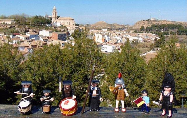 Una procesión de Playmobil recrea la Semana Santa de Híjar