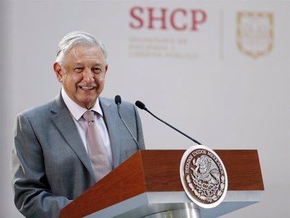 """López Obrador responde con """"paz y amor"""" a las amenazas de Trump sobre el cierre de la frontera"""