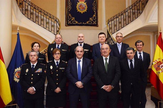 La Policía Nacional firma un protocolo con la Federación de Tenis para prevenir