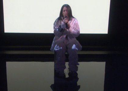 VÍDEO: Billie Eilish canta When the party's over en el programa de Ellen DeGeneres