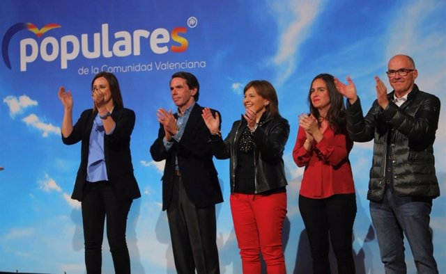 "28A.- Aznar advierte de que la Comunitat se juega en las elecciones ser ""un barr"