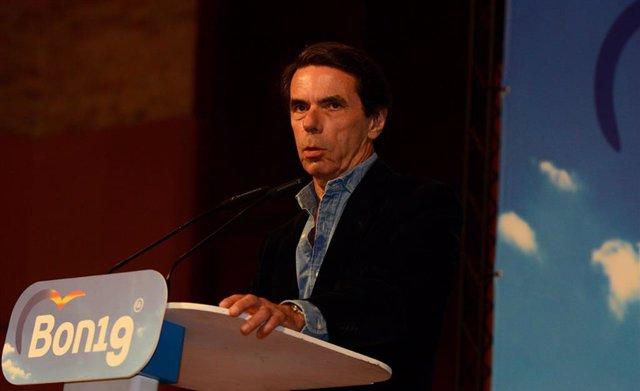 José María Aznar participa en Valencia en un acto del Partido Popular