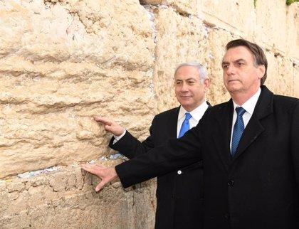 Bolsonaro y Netanyahu escenifican su alianza en una visita al Muro de las Lamentaciones