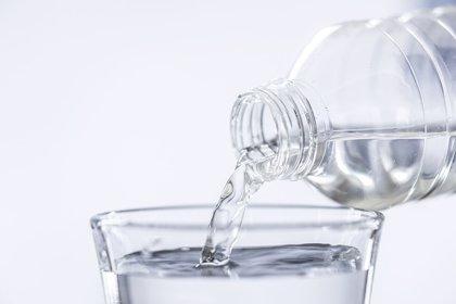 ¿Cómo sabe el cerebro que tienes sed?