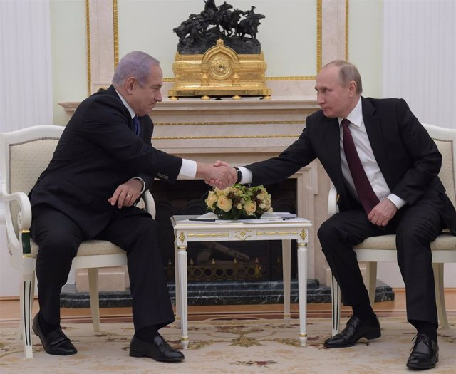 Putin meets with Netanyahu in Moscow