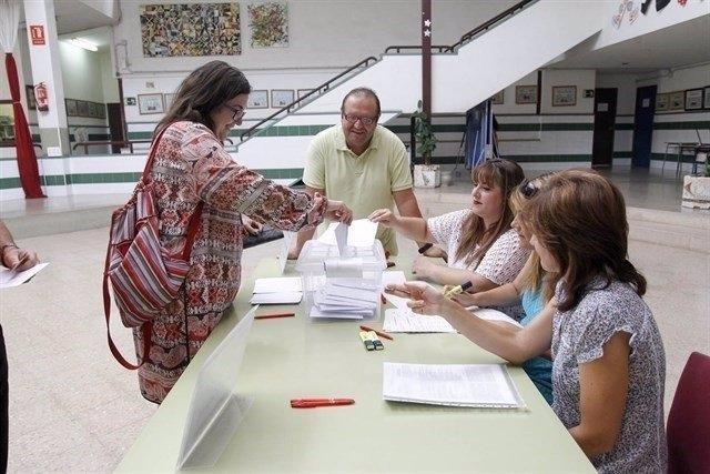 Las familias de 38 colegios más de la Comunitat Valenciana votan a favor de camb