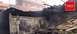 Sucesos.- Extinguen sin heridos un incendio en una zona de patios de Torrejón de