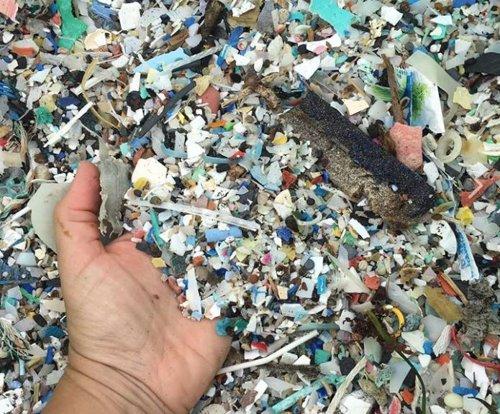 Plásticos en las playas de Tenerife