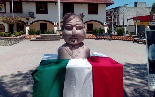El busto de López Obrador en San Luís Potosí genera burlas en las redes