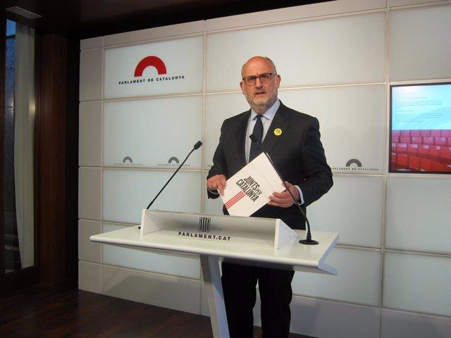 """JxCat critica en fons i forma"""" que el Parlament faci a ellegacions a un recurs"""