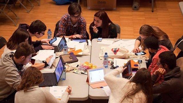 Alumnos del IES Bernardo Balbuena de Valdepeñas participan en un proyecto con in