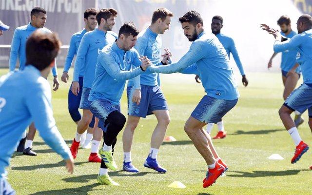 Fútbol.- Valverde se lleva toda la artillería, con Messi y Suárez, a Villarreal
