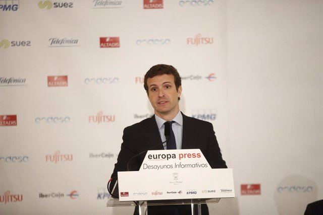 """Casado diu que el PP presenta """"els millors"""" a Europa per fer """"front al populisme"""