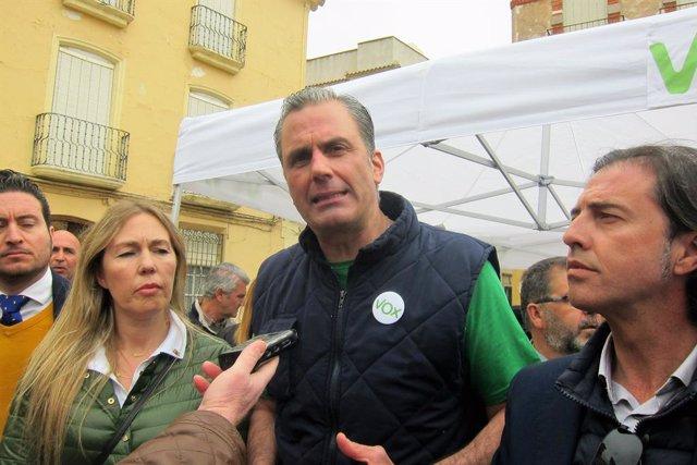 """Ortega Smith assegura que no acceptaran que els """"totalitaris"""" pretenguin expulsa"""