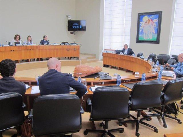 """La Xunta advierte de que usará """"todos los instrumentos jurídicos"""" contra la deci"""
