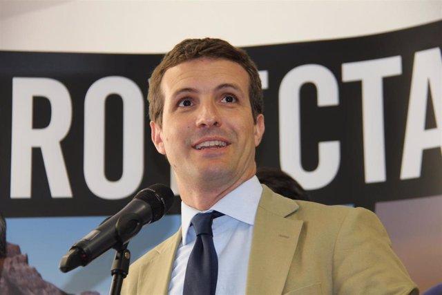 """Casado critica la """"irresponsabilidad"""" de Sánchez por """"implorar"""" al """"proetarra"""" O"""