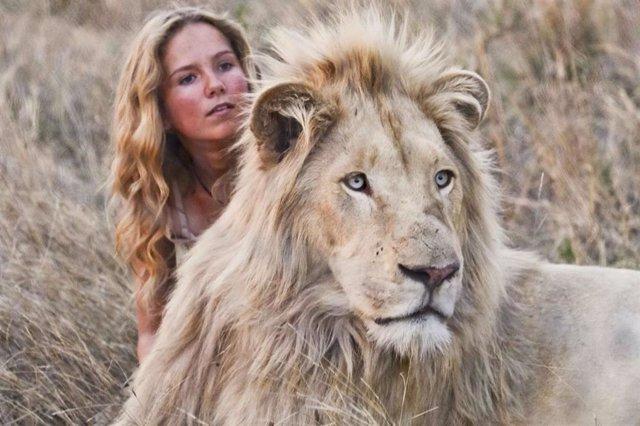 Resultado de imagen de Mia y el león blanco de Gilles de Maistre